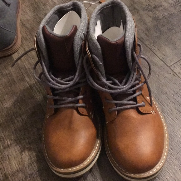 new style 92f36 ecb4a NWT OLD NAVY BOYS BOOTS